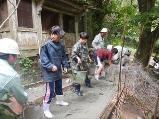 生コンバケツリレー1.JPG
