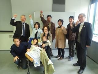 講演後坂田会長(後列左端)らと.JPG